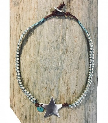 NEW GIRU STAR CHOKER